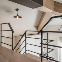 Projekty,  Dach zaprojektowane przez 德廚臻品 室內設計公司