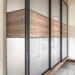 أبواب داخلية تنفيذ 德廚臻品 室內設計公司