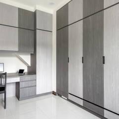 Dormitorios de estilo  por 德廚臻品 室內設計公司, Asiático
