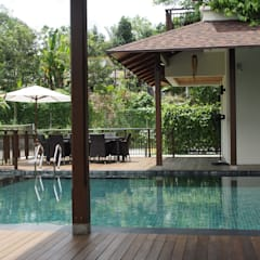 Luxury Bungalow In Sungai Penchala Kuala Lumpur:  Terrace by Mode Architects Sdn Bhd, Tropical