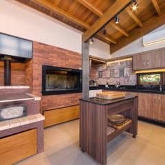 Salão de festas litoral Cozinhas rústicas por Arqsoft Arquitetura e Engenharia LTDA Rústico