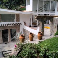 สวนหน้าบ้าน โดย GRUPO WALL ARQUITECTURA Y DISEÑO SA DE CV, โคโลเนียล อิฐหรือดินเผา