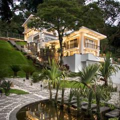 Garden Pond by GRUPO WALL ARQUITECTURA Y DISEÑO SA DE CV,