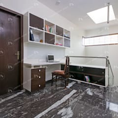 :  Study/office by 2 Bricks Design Studio