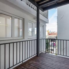 Apartamento com acabamentos de excelência por Lisbon Heritage Moderno