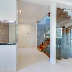 Dom który może się podobać : styl , w kategorii Schody zaprojektowany przez Pro-Plan-Foto