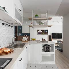 Cocinas de estilo  por 知域設計,