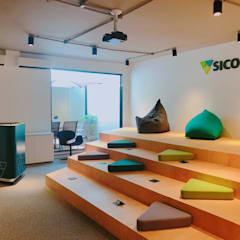 Instituição Financeira conceito do Sicoob Cecremef no Rio de Janeiro: Locais de eventos  por JBENARQ,