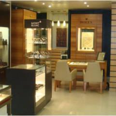 DISEÑO PARA RETAIL: Centros Comerciales de estilo  por RARQ