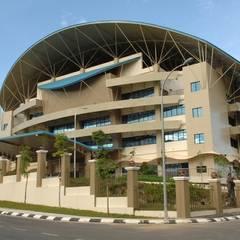 Lembaga Hasil Dalam Negeri Sabah Cawangan Sabah:  Study/office by Chin Architect