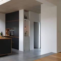 Kunibertweg:  Küche von InnenArchitektur Buchholz