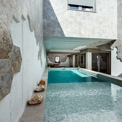 Garden Pool by OOIIO Arquitectura, Modern Ceramic