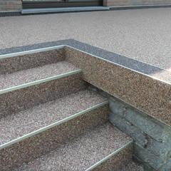 Escaleras de estilo  por Steinteppich der Balkon & Terrassenbelag deutschlandweit