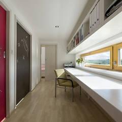 Phòng học/Văn phòng by Fabiana Ordoqui  Arquitectura y Diseño.   Rosario | Funes |Roldán