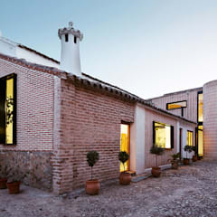 Country house by OOIIO Arquitectura en Madrid