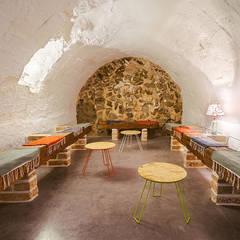 Wine cellar by OOIIO Arquitectura en Madrid