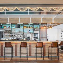El Galeón, un proyecto de VAO Arquitectos en el fondo del océano: Locales gastronómicos de estilo  de MisterWils - Decoración Vintage