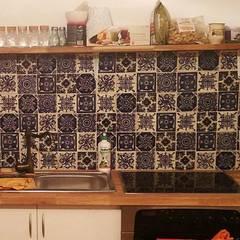 Patchworki z płytek meksykańskich: styl , w kategorii Kuchnia na wymiar zaprojektowany przez Cerames,Klasyczny Ceramiczny