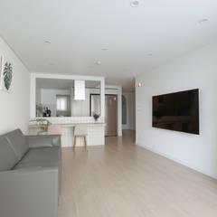 도화 현대 29평 아파트 인테리어: 카멜레온디자인의  거실