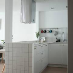 도화 현대 29평 아파트 인테리어: 카멜레온디자인의  주방,모던