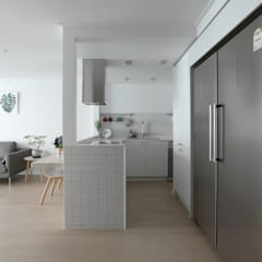 도화 현대 29평 아파트 인테리어: 카멜레온디자인의  주방,