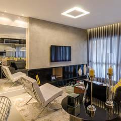 Combinação de Cores Que Encanta: Salas de estar  por BG arquitetura | Projetos Comerciais,