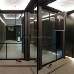 [주거공간] 아파트 인테리어 40평형대: Design Partner Blue box의  복도 & 현관