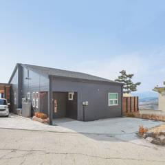 공간제작소의 단층전원주택 컬렉션: 공간제작소(주)의  조립식 주택