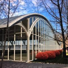 Piscina Termas Quinamavida, Linares: Piscinas de estilo  por MRH Arquitectos,