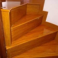 Instalaciones de escaleras : Escaleras de estilo  por Dr instalaciones, Clásico