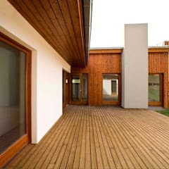 Wooden houses by GUILLEM CARRERA arquitecte