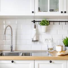 Small kitchens by ZAWICKA-ID Projektowanie wnętrz