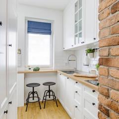 آشپزخانه توسطZAWICKA-ID Projektowanie wnętrz, مدیترانه ای