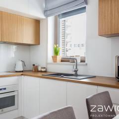 3 pokoje na Ursynowie: styl , w kategorii Aneks kuchenny zaprojektowany przez ZAWICKA-ID Projektowanie wnętrz