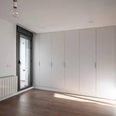 Teen bedroom by Javier Chulvi. Arquitectura e Interiorismo,