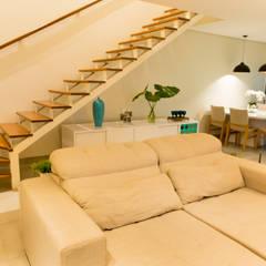 Geminada Charmosa: Escadas  por Isa Ramoni Arquitetura