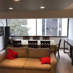 Remodelación de Departamento en Las Condes, Santiago: Livings de estilo  por Arqsol