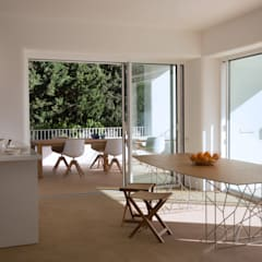 Built-in kitchens by Alejandro Giménez Architects	,