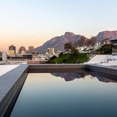 152 Waterkant :  Pool by GSQUARED architects, Minimalist