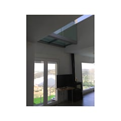 Windows  by Arte y Vida Arquitectura,
