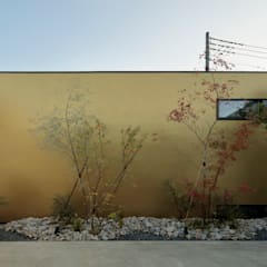 庭の輪郭 の 稲山貴則 建築設計事務所 モダン