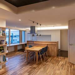 六角形の家: 富谷洋介建築設計が手掛けたダイニングです。