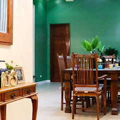 Fabulous Vacation House with a Flair – Tagaytay:  Dining room by SNS Lush Designs and Home Decor Consultancy