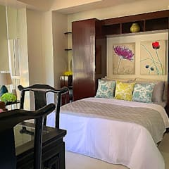 A Studio in a Piece of Unspoiled Paradise:  Bedroom by SNS Lush Designs and Home Decor Consultancy