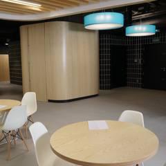 reforma oficinas: Oficinas y Tiendas de estilo  de Dasepa Construcciones SL
