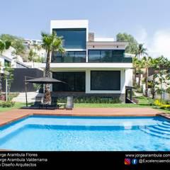 Piscinas de jardín de estilo  por Excelencia en Diseño