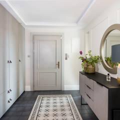 Corridor, hallway by StudioDecor,