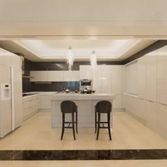 首善莊公館:  廚房 by 雅群空間設計