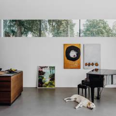 Villa von Osee:  Einbauküche von Philipp Architekten - Anna Philipp