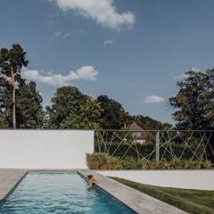 Villa von Osee:  Gartenpool von Philipp Architekten - Anna Philipp
